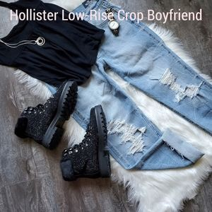 NEW HOLLISTER LOW-RISE DISTRESSED JEANS